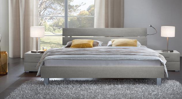 Das Bett Treviso aus MDF, metallfarben