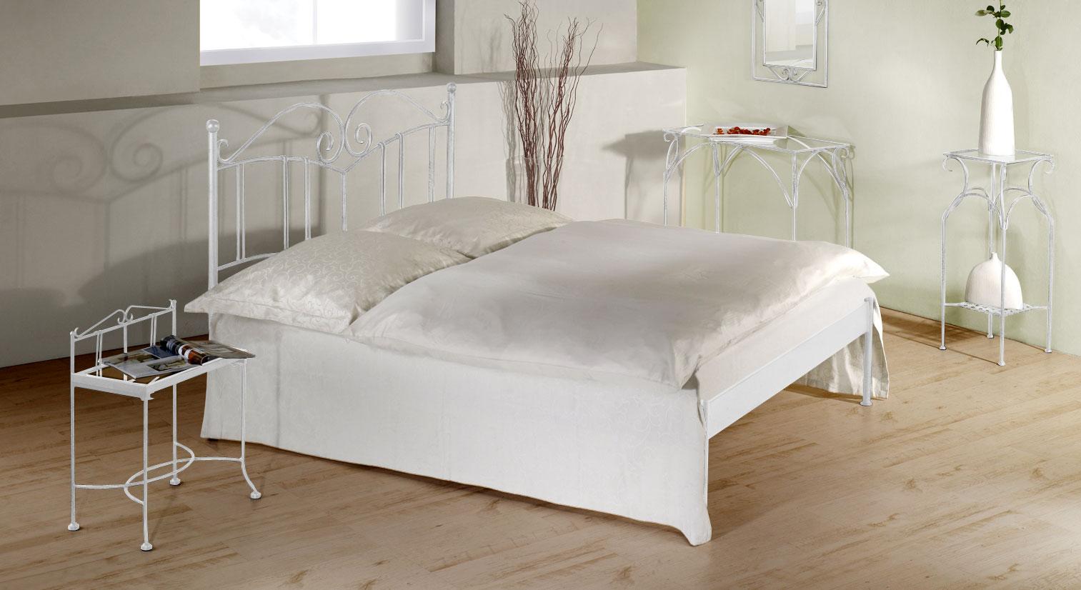 Bett Vella aus silber-gewischtem Eisen in Weiß ohne Fußteil