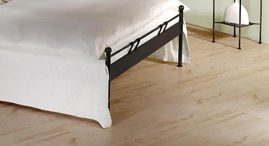 Bett Vella mit optional erhältlichem Fußteil