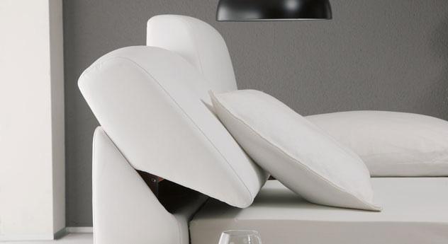 Bett mit verstellbarem und gepolstert Kopfteil in Leder