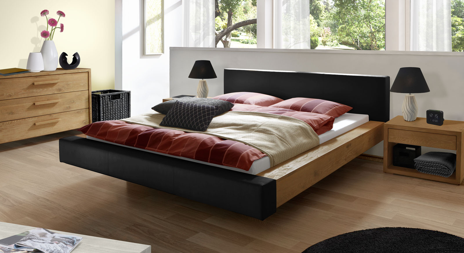 bett schwebend mit echtleder und massivholz vilar. Black Bedroom Furniture Sets. Home Design Ideas