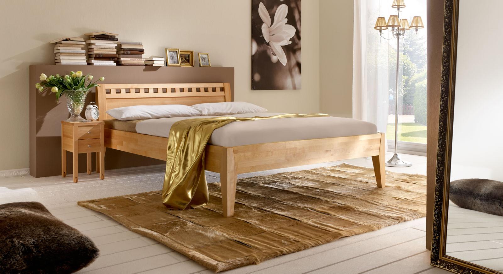 Modernes und schlichtes Bett Wallis ohne Fußteil.
