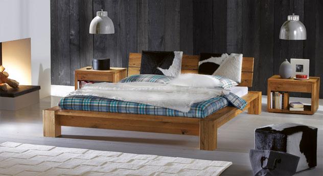 Bett Aragon aus Wildeiche Massivholz