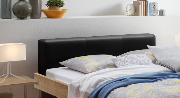 Bett Foggia mit schwarzem Kopfteil