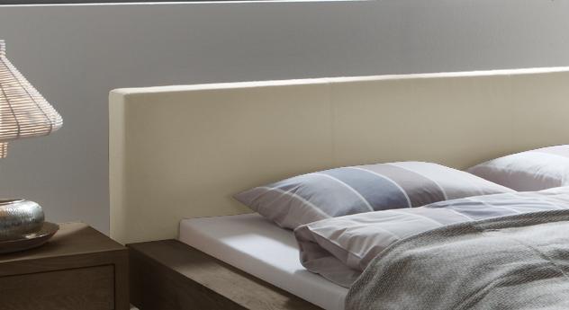 Bett Mataro Kopfteil aus Kunstleder