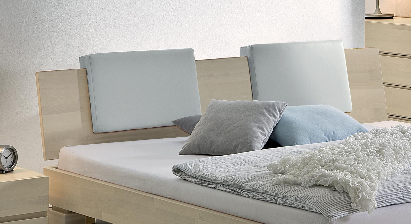 Bett Paradiso Bianco Kopfteil mit Einsteck-Kissen