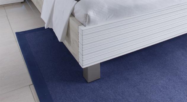 Doppelbett Salou Bettbeine Alu-Füße Massivholzrahmen