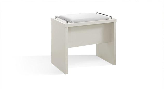 Bettbank Patiala inklusive Sitzpolster aus Kunstleder