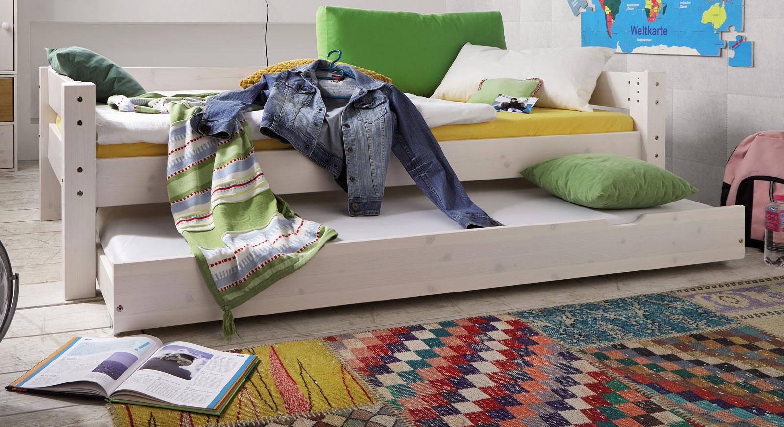 Bettschublade Kids Dreams in weiß lasierter Kiefer schafft Stauraum