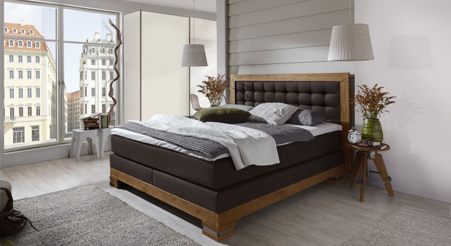 edles landhausstil boxspringbett aus wildeiche aronia. Black Bedroom Furniture Sets. Home Design Ideas