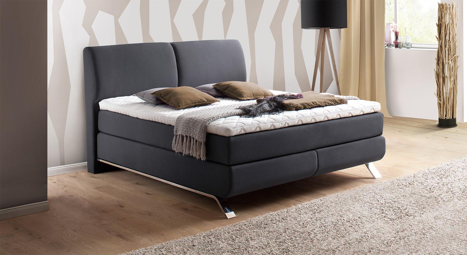 king size boxspringbett mit modernen metallkufen auburn. Black Bedroom Furniture Sets. Home Design Ideas