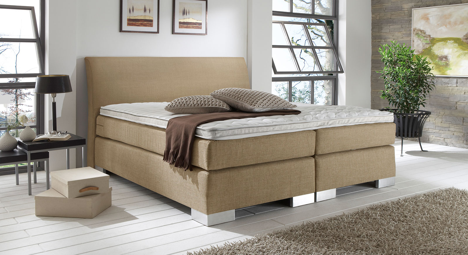 Stoff-Boxspringbett Lato in Cricket sand