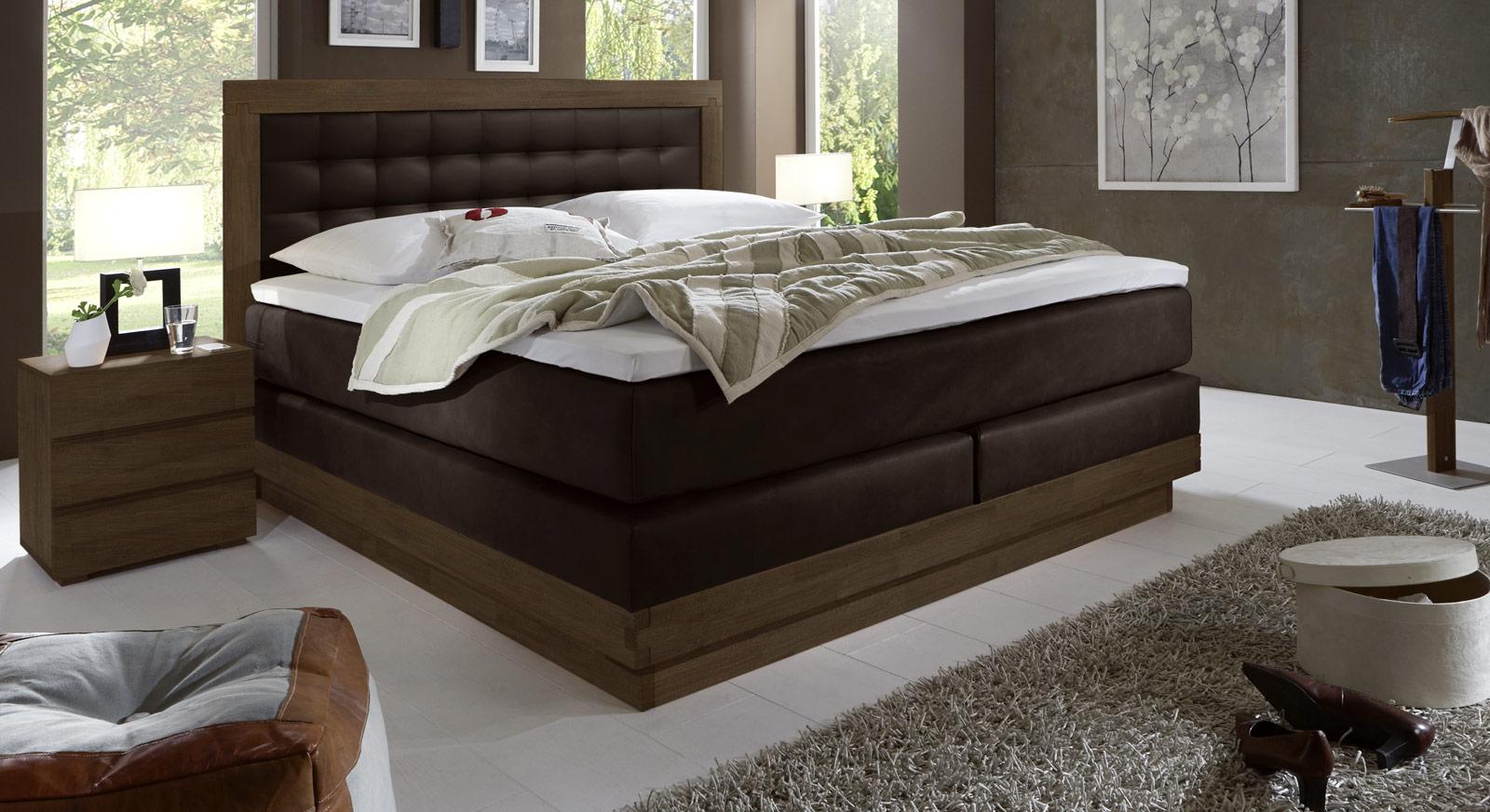 Boxspringbett aus kernbuche mit luxus kunstleder olbiano for Schlafzimmer dunkelbraun