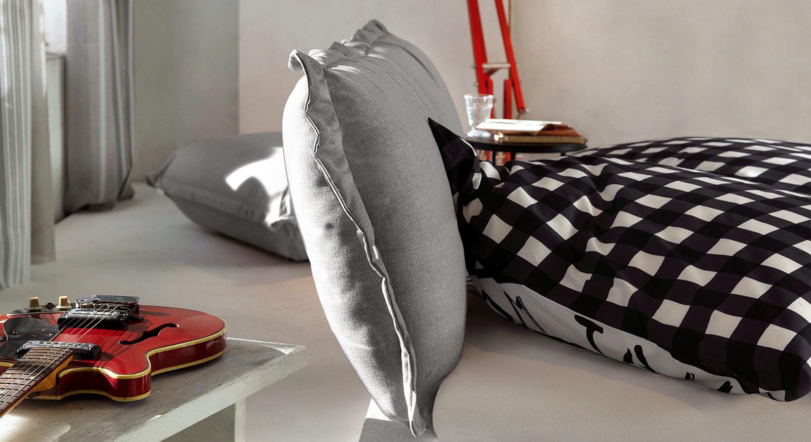 romantisches tom tailor cushion boxspringbett mit volant. Black Bedroom Furniture Sets. Home Design Ideas