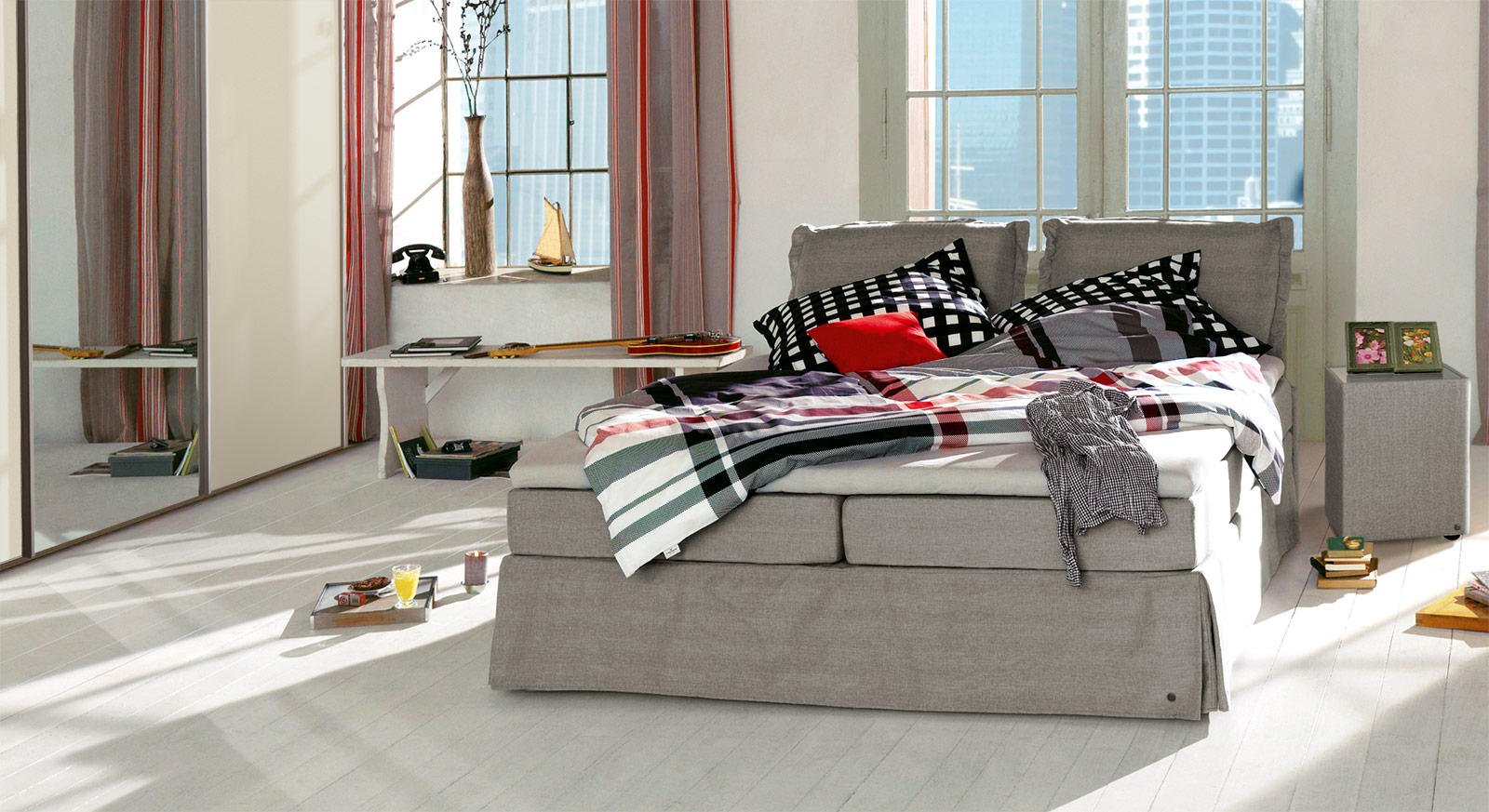 Boxspringbett Tom Tailor Cushion in beigebraunem Webstoff