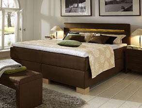 boxspringbetten bett im amerikanischem stil auf. Black Bedroom Furniture Sets. Home Design Ideas