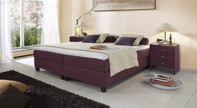 Boxspringliege Luciano in 53 cm Höhe mit Stoffbezug in Beere
