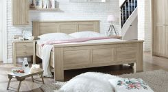 holzbett aus wei lackierter kiefer im landhausstil wien. Black Bedroom Furniture Sets. Home Design Ideas