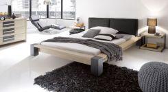 wildeichenbett mit metallf en aus edelstahl liro. Black Bedroom Furniture Sets. Home Design Ideas