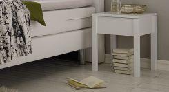nachtk stchen mit schublade aus ge ltem massivholz rigolato. Black Bedroom Furniture Sets. Home Design Ideas