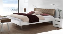 bett im skandinavischen design mit kunstleder kopfteil. Black Bedroom Furniture Sets. Home Design Ideas