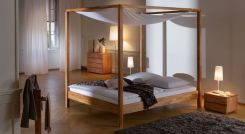 himmelbett aus holz massiv in 140x200 cm bett almeria. Black Bedroom Furniture Sets. Home Design Ideas