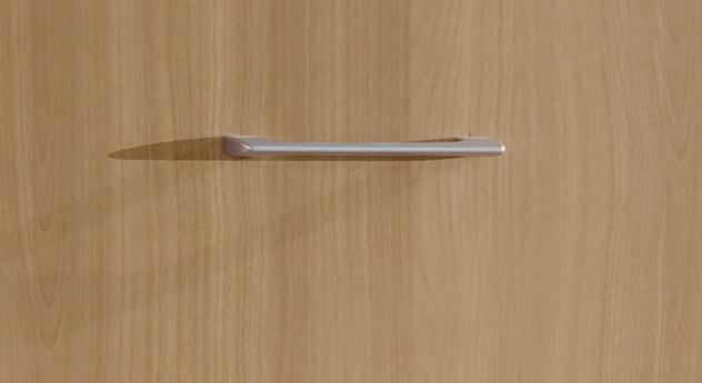Dabola mit einem silberfarbenen Griff aus Metall