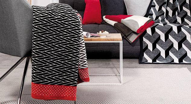 Design-Kuscheldecke Milow in modernem Mustermix