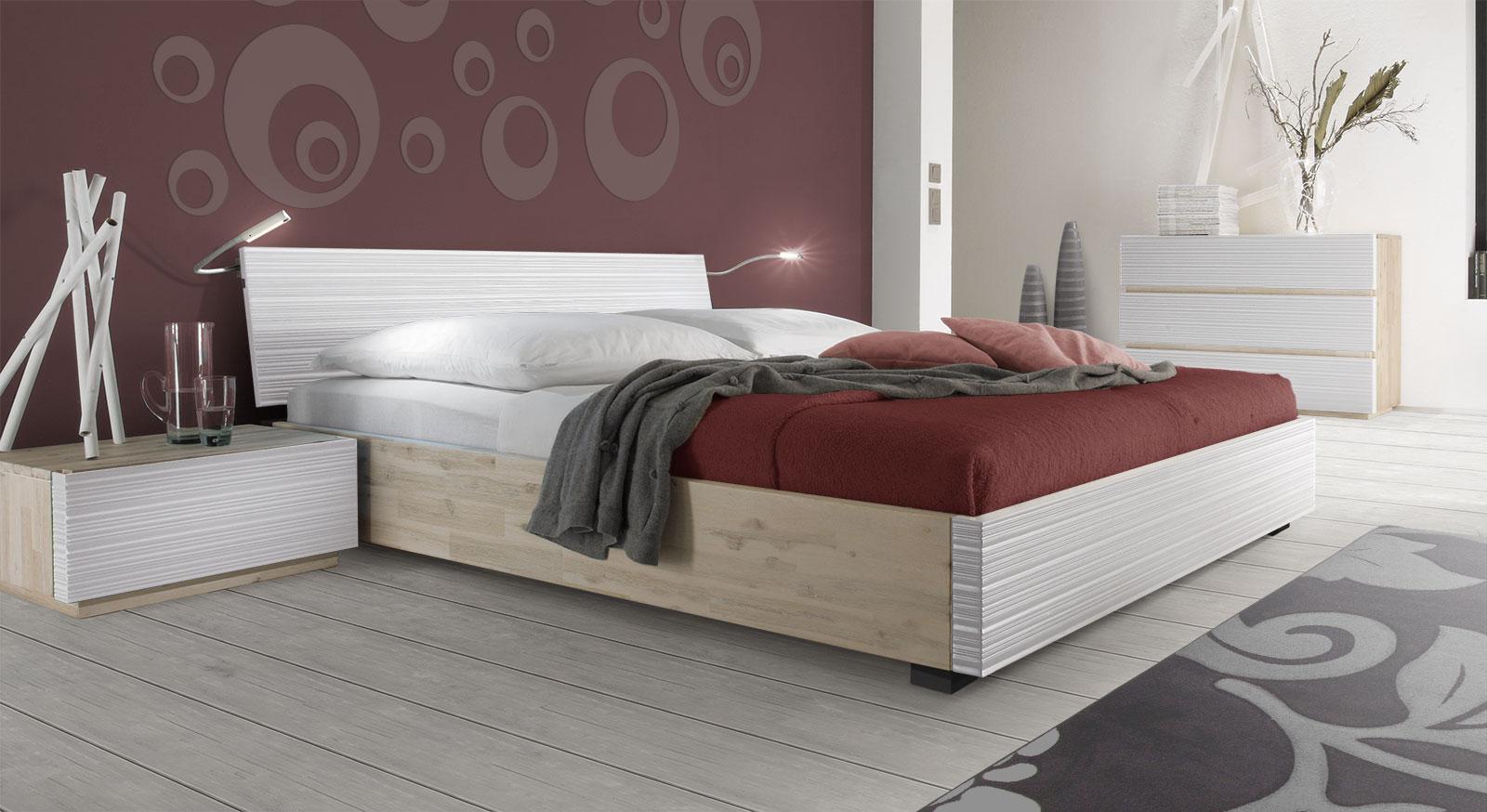 Massives Doppelbett Ancona mit weißem Akazienholz