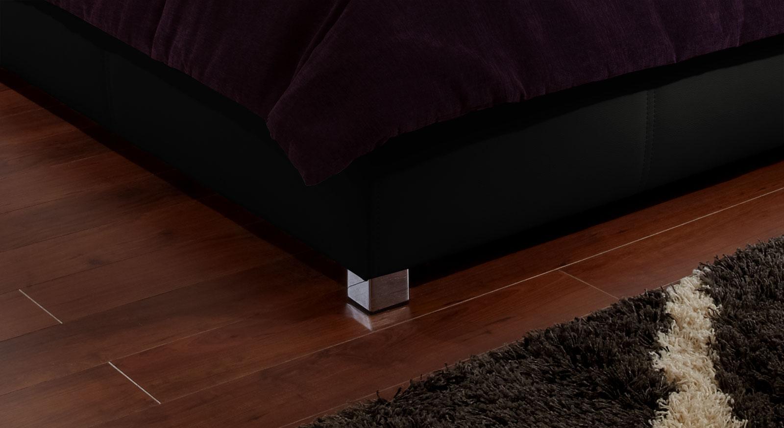 Doppelbett Amadeo mit stabilen Füßen