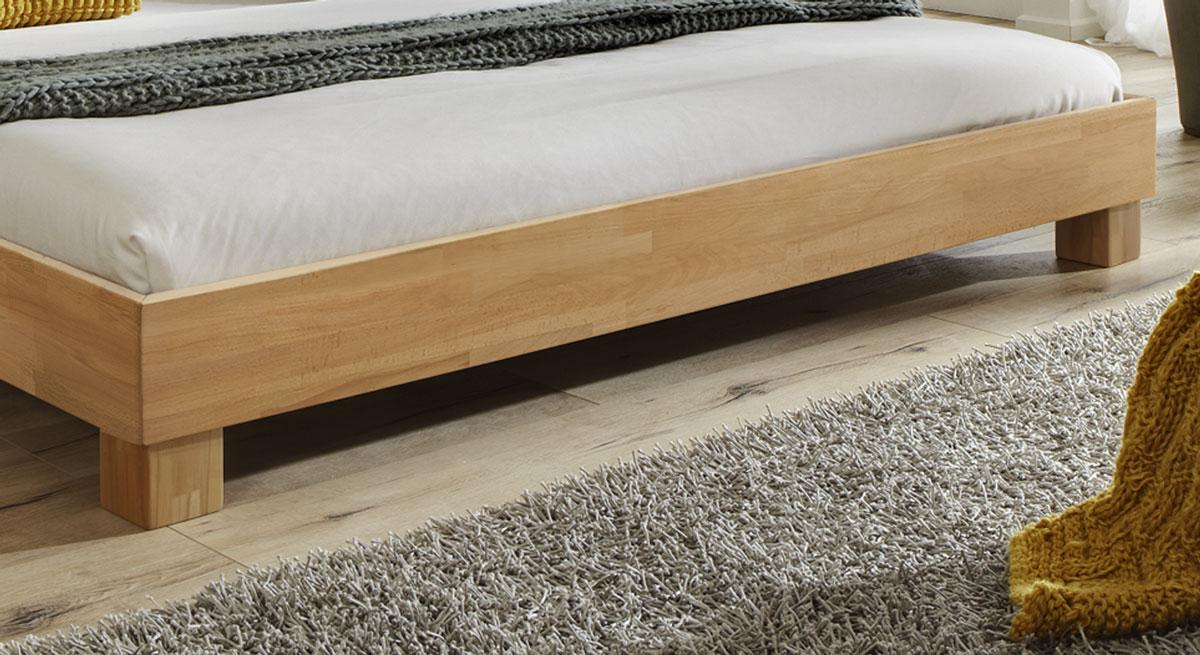 Doppelbett Lesina mit stabilen Blockfuessen