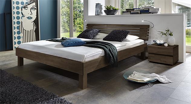 Doppelbett Livenza aus Massivholz Buche wengefarben