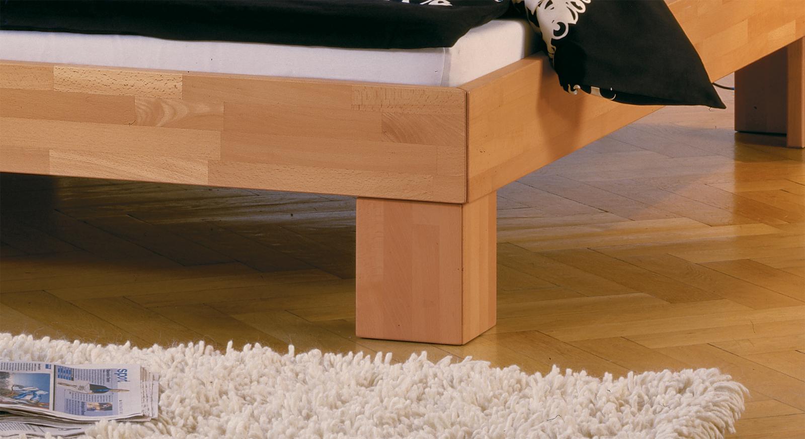 Doppelbett Nevada mit stabilen Füßen