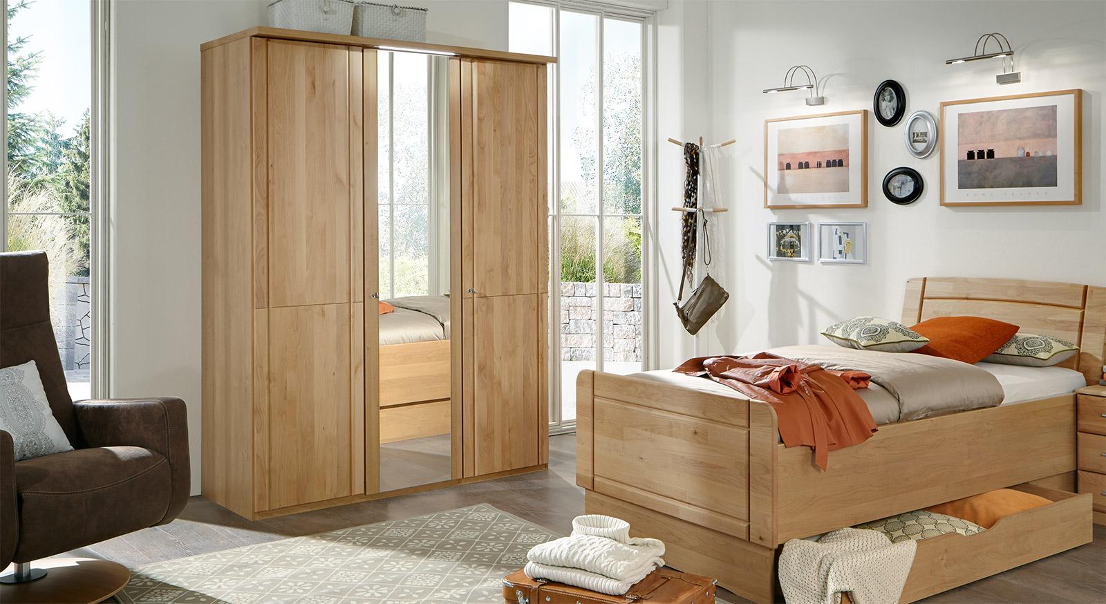 dreht ren kleiderschrank in erle abschlie bar mit spiegel ageo. Black Bedroom Furniture Sets. Home Design Ideas