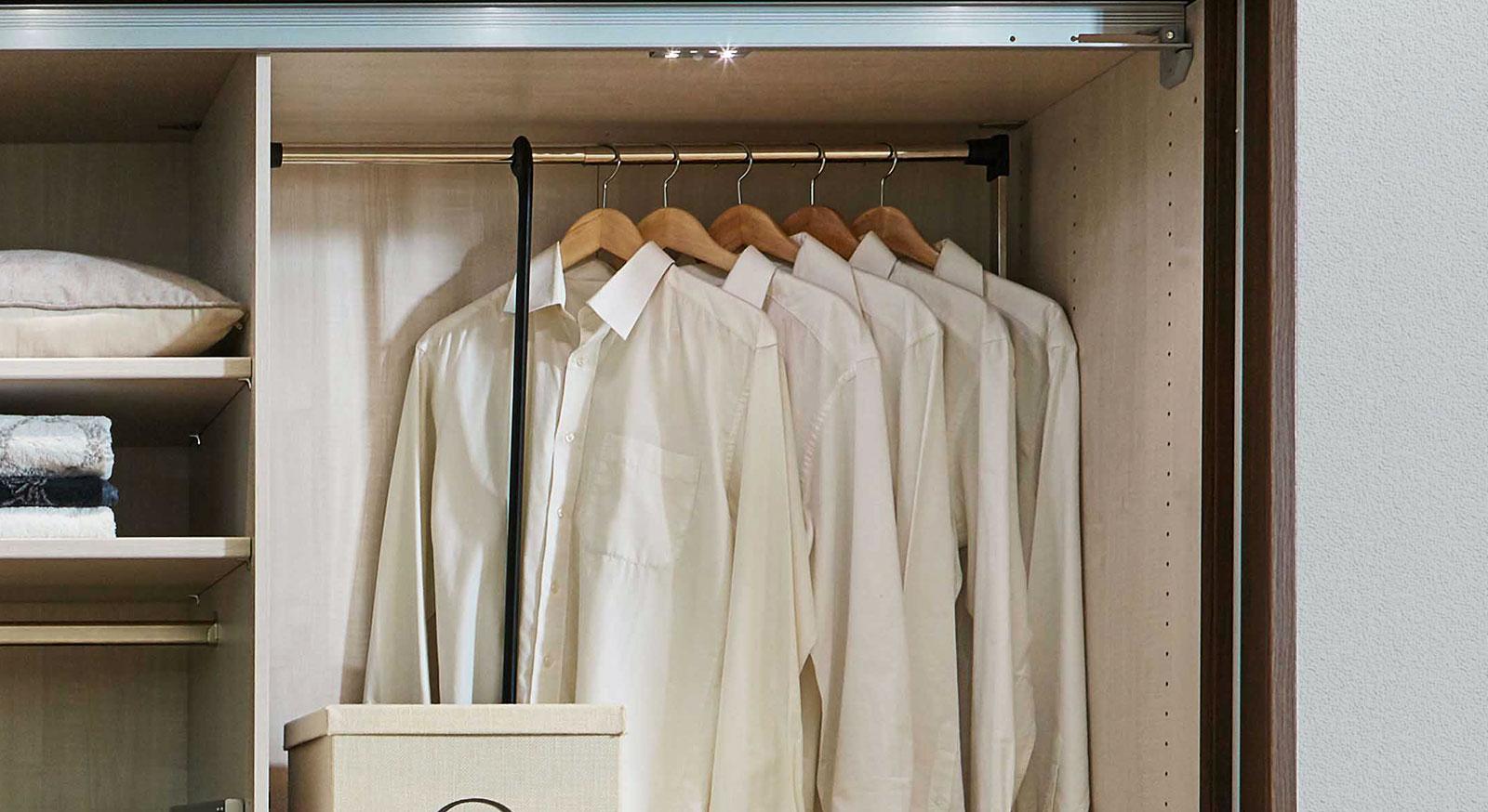 Innenausstattung Drehtüren-Kleiderschränke Kleiderlift