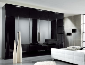 edle kleiderschr nke g nstig f r ihr schlafzimmer. Black Bedroom Furniture Sets. Home Design Ideas