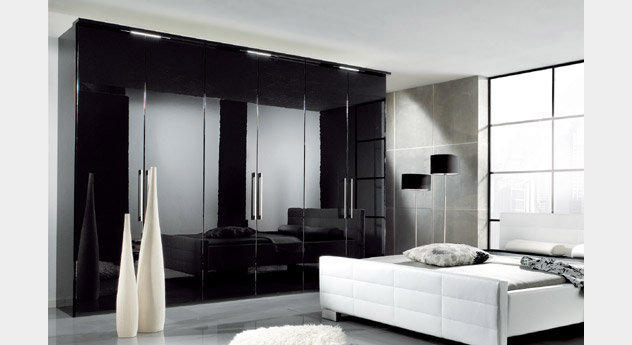 schlafzimmer komplett schwarz hochglanz. Black Bedroom Furniture Sets. Home Design Ideas