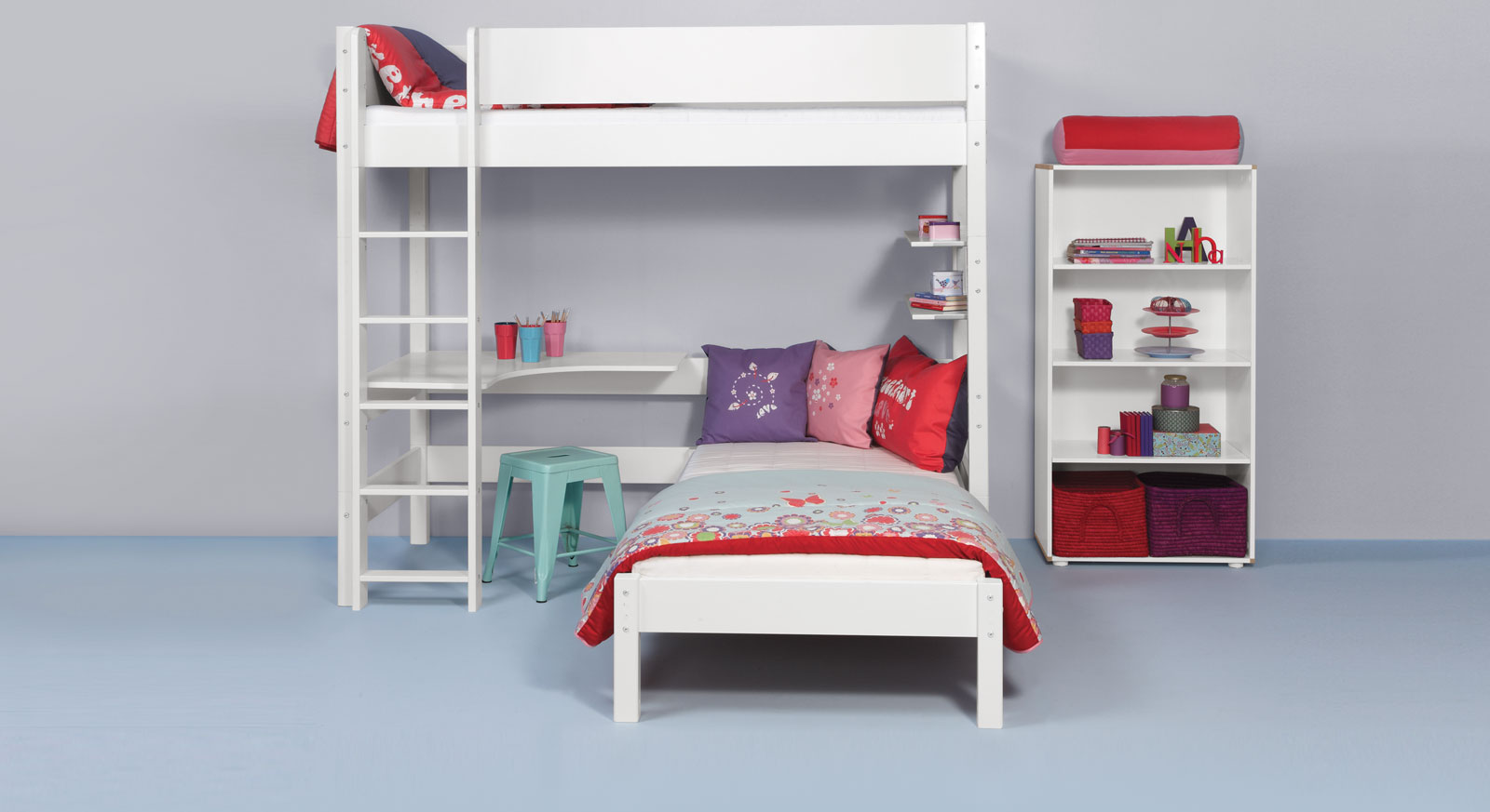 etagenbett ber eck mit w hlbaren liegefl chen kids town. Black Bedroom Furniture Sets. Home Design Ideas