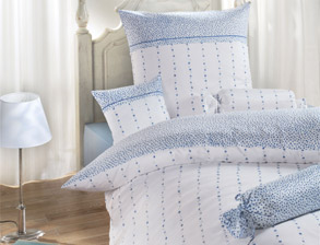 florale bettw sche blumenmuster auf bettw sche. Black Bedroom Furniture Sets. Home Design Ideas