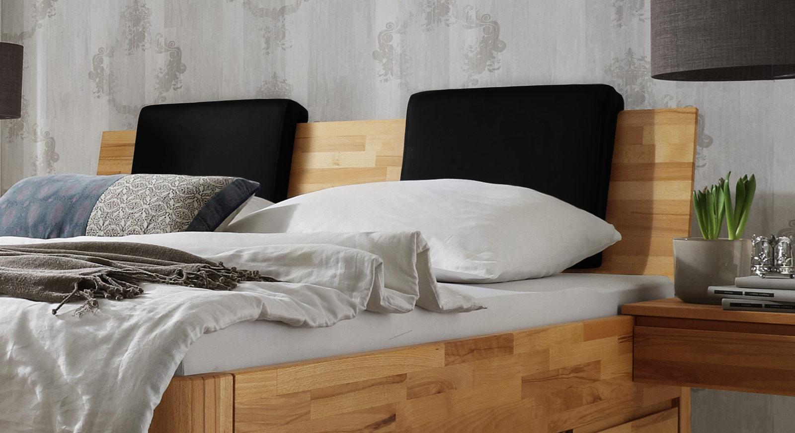 Einsteck-Kissen Zarbo aus schwarzem Kunstleder