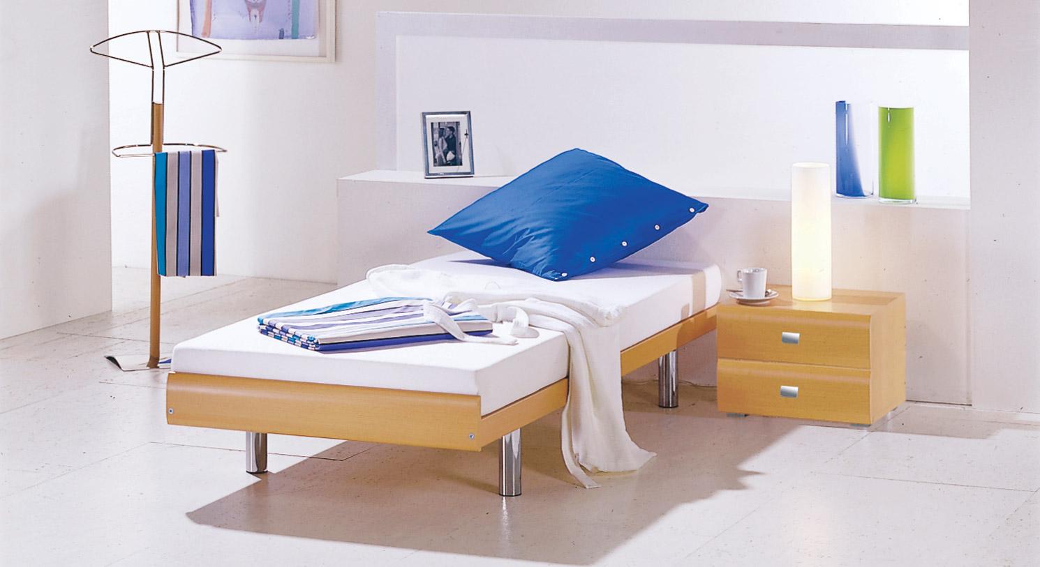 das einzelbett in 90x 200 cm gr e als g stebett bett bilbao. Black Bedroom Furniture Sets. Home Design Ideas