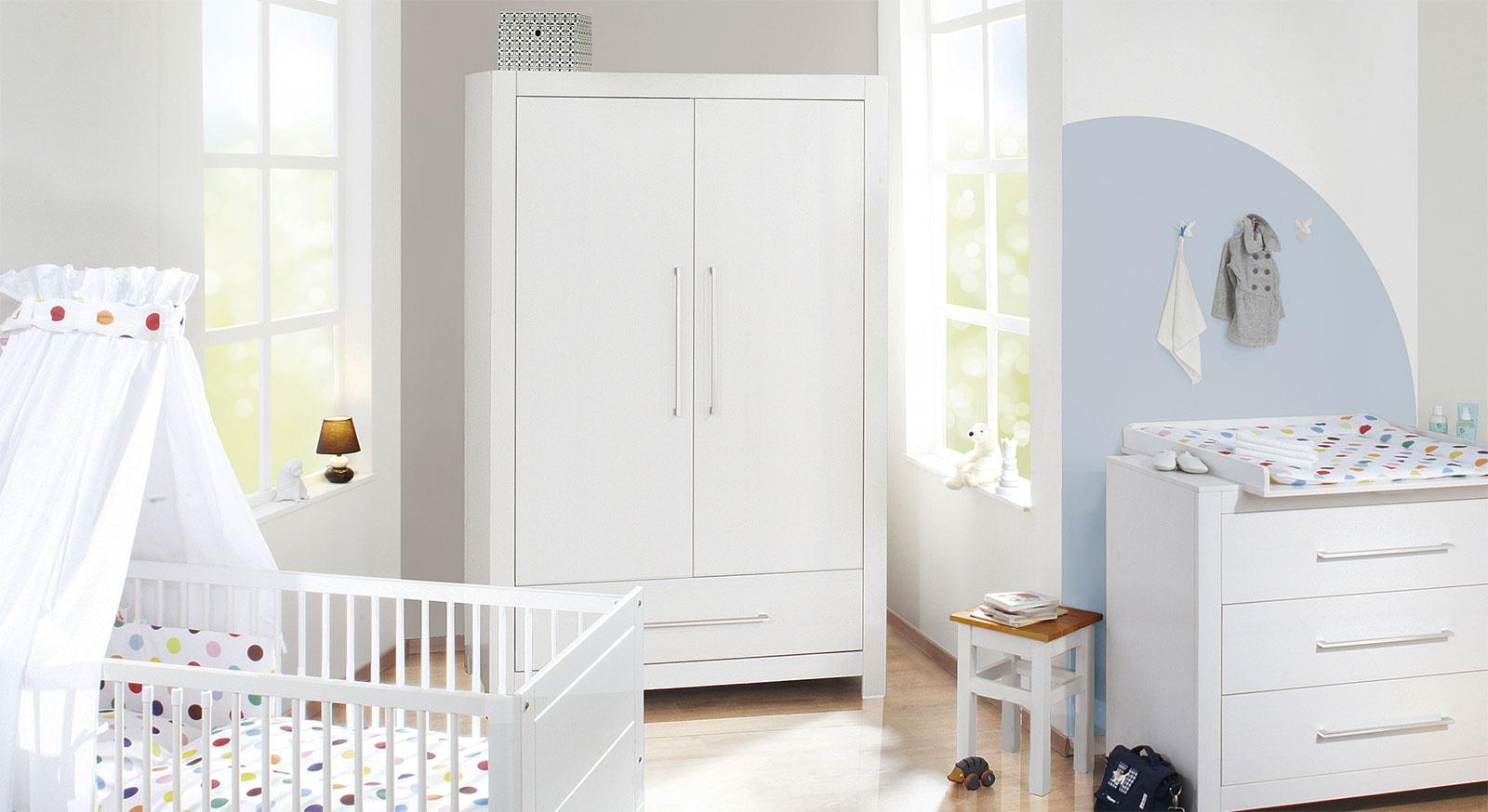 Komplett-Schlafzimmer Emma in Weiss mit abgestimmten Möbeln