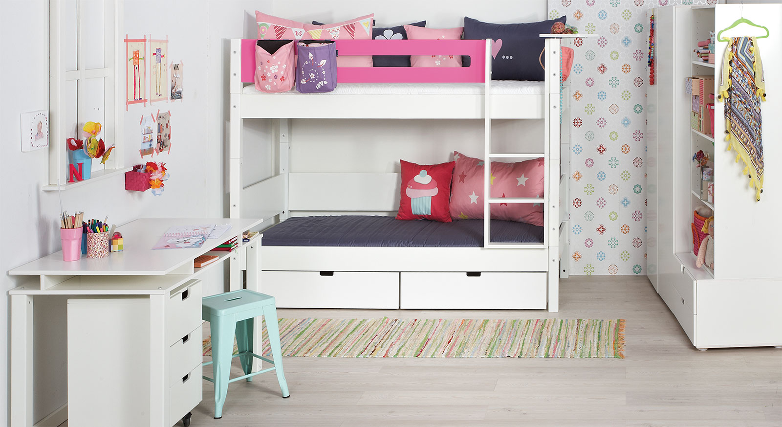 etagen bett affordable etagenbett parisot tam tam wei und. Black Bedroom Furniture Sets. Home Design Ideas