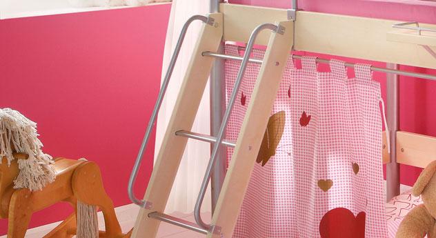 Haltegriffe Kinderbett Alina bieten Sicherheit und Schutz