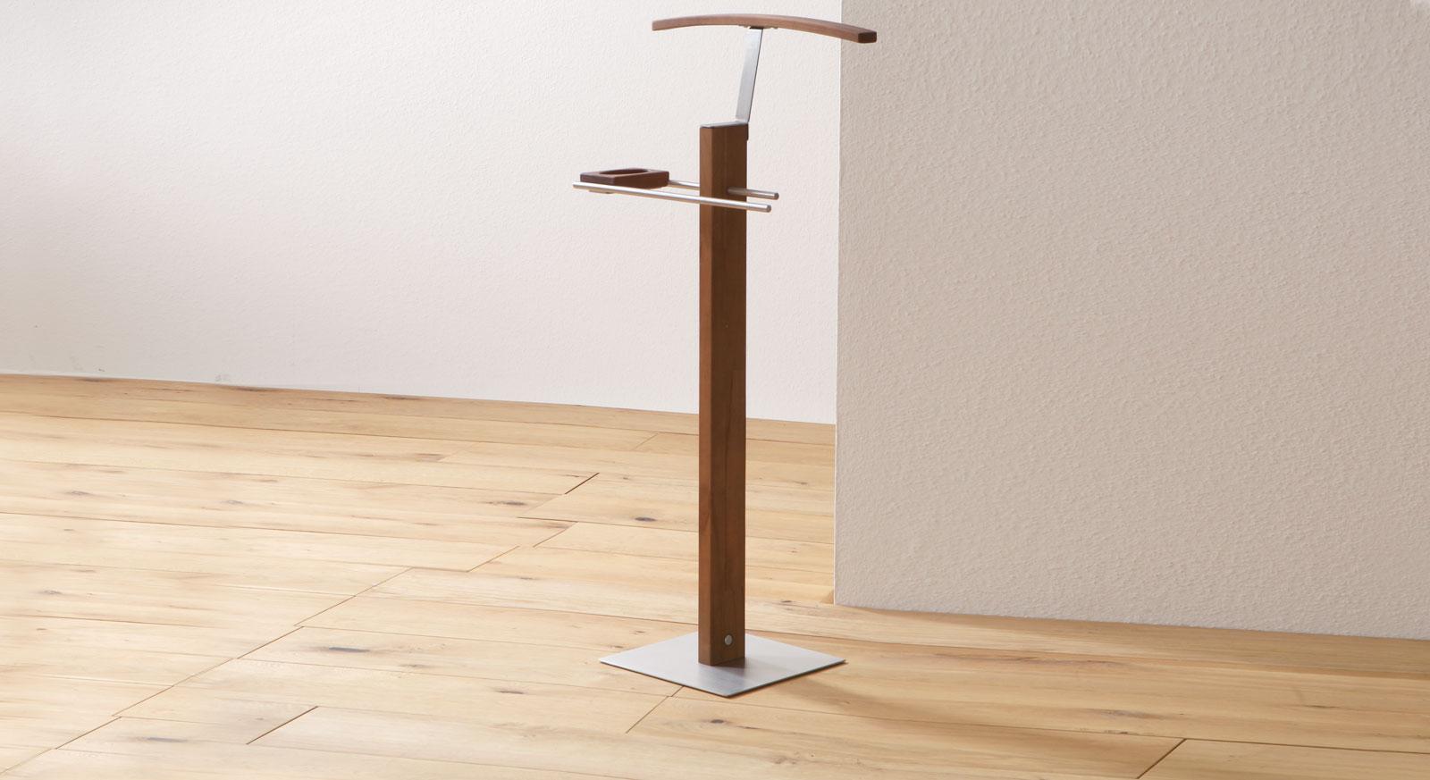 herrendiener aus massiver buche gefertigt silvio. Black Bedroom Furniture Sets. Home Design Ideas