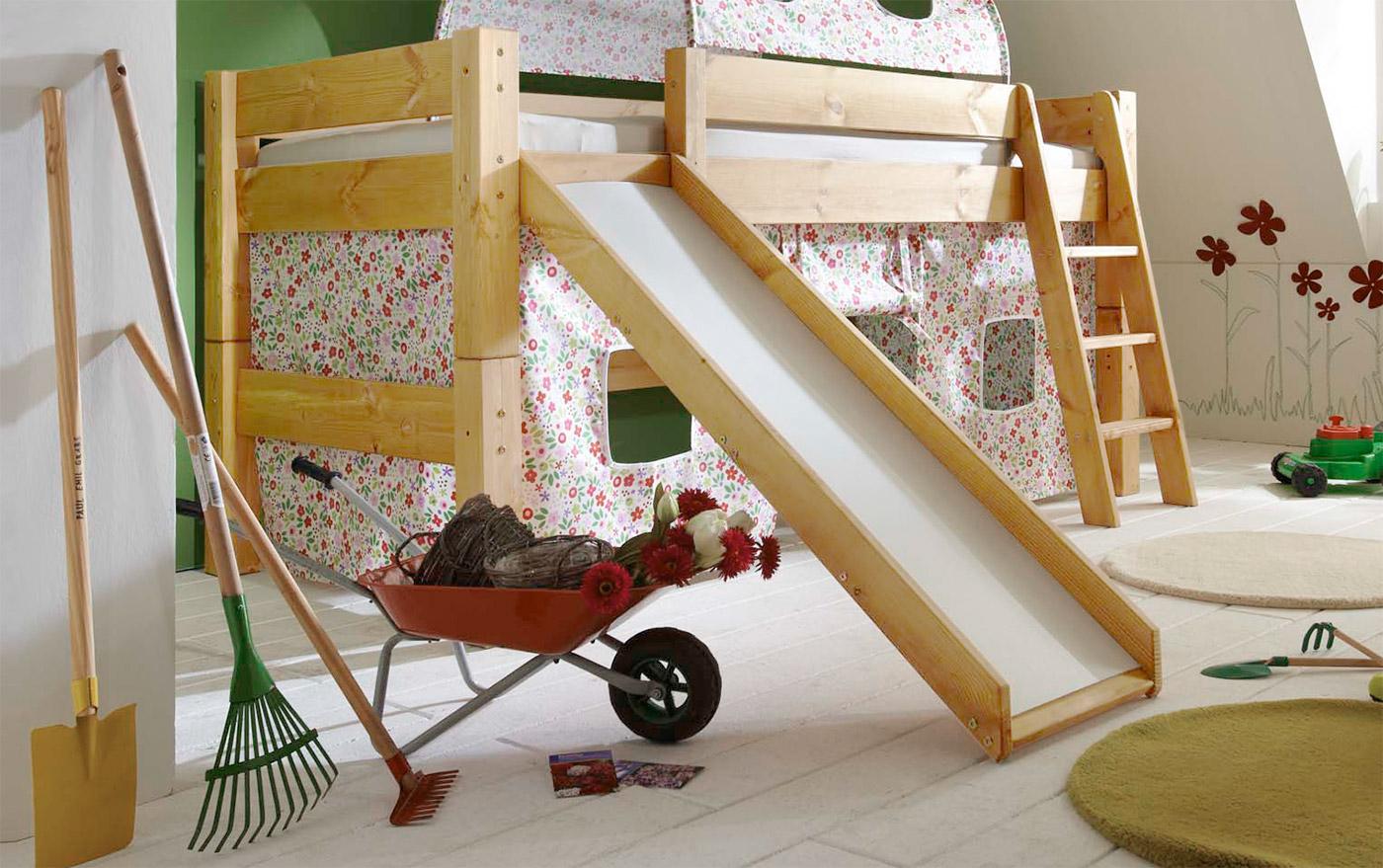 Himmel-Hochbett Kids Dreams mit montierter Leiter