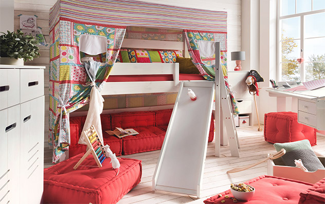 Himmel-Hochbett Kids Dreams mit Podest und Rutsche