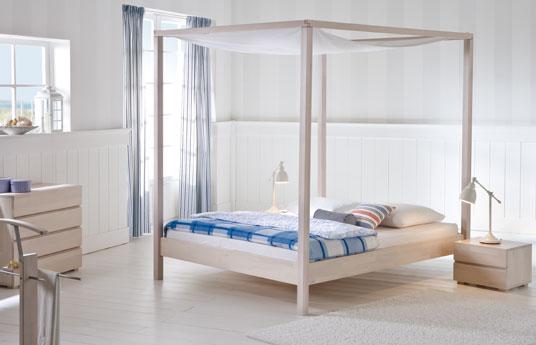 himmelbett aus massivholz in wei lorca von. Black Bedroom Furniture Sets. Home Design Ideas