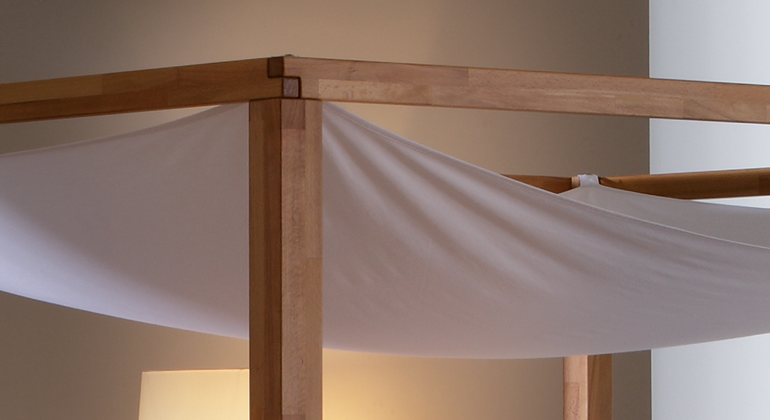sch nes himmelbett aus buche in 160x200 cm bett merida. Black Bedroom Furniture Sets. Home Design Ideas