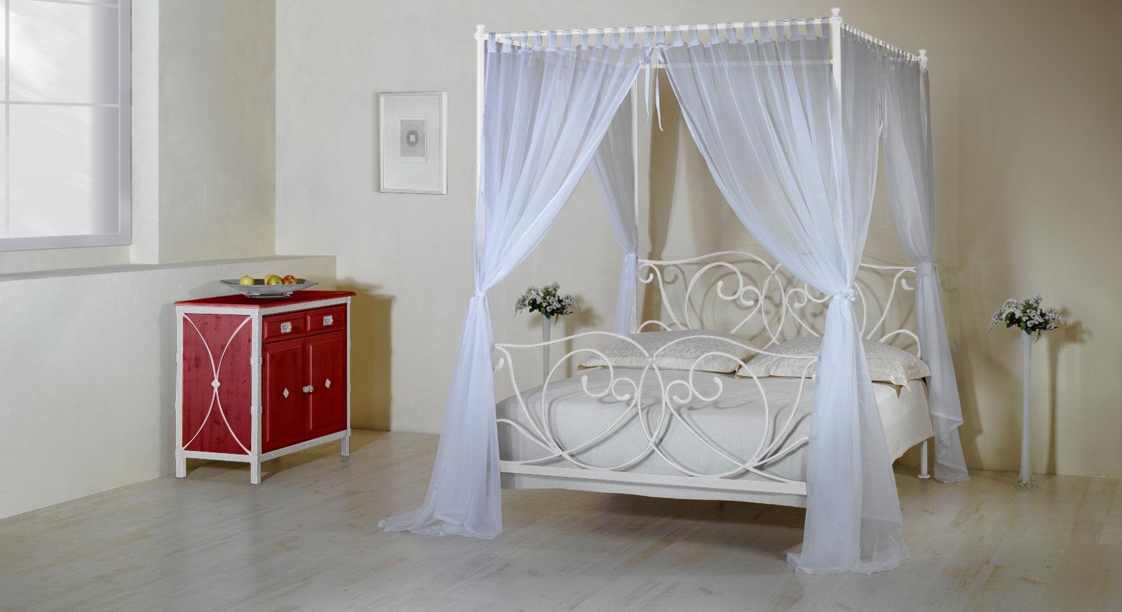 Romantisches himmelbett holz  Metall-Himmelbett z.B. in 140x200 cm weiß - Vila Nova